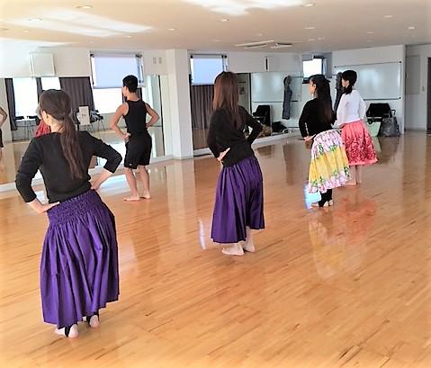 フラダンス教室 ナーフラピリアロハ柏校 レッスン風景 柏 HAD レンタルスタジオ