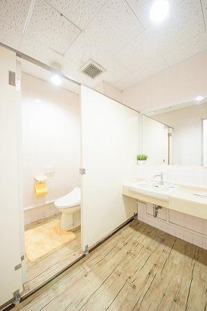 柏ハドダンススタジオのトイレの様子