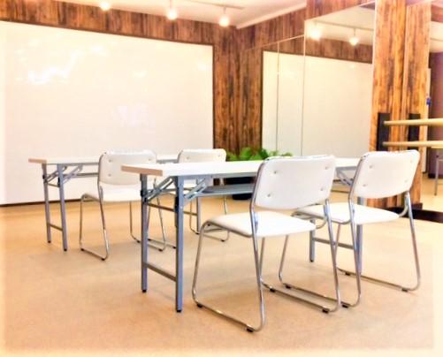 書道教室 英会話教室 に使えるテーブルとイス